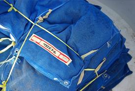 玄そばの袋を結びつける