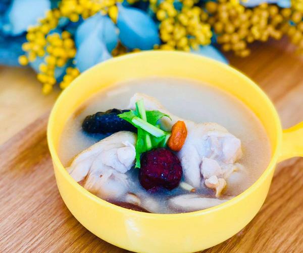 蕎麦湯のサムゲタン風スープ